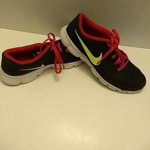 Women's Nike running shoes sneakers size 8